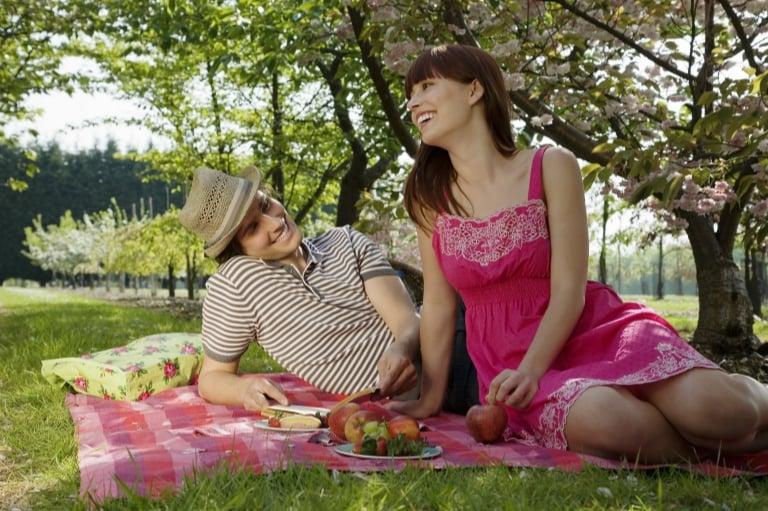 couple on a picnic